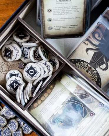 Find order in madness with the Arkham Horror Organizers